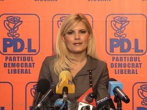 """Recompensa de un milion de euro pentru """"admiratoarea secreta"""" a Elenei Udrea"""