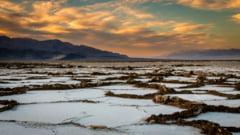"""Record de temperatura in Valea Mortii. Terra intra in """"regimul de foc"""", intr-un ritm neanticipat nici in cele mai pesimiste modele de schimbare climatica"""