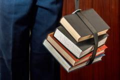 Rectorii de la Universitatea Bucuresti si SNSPA fac ghid de evitare a inregimentarii politice