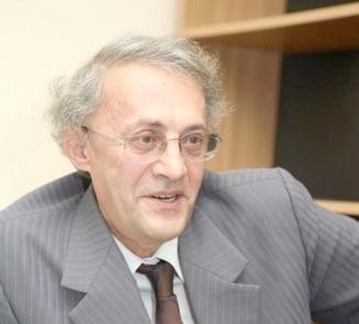 Rectorul UMF Iasi, Vasile Astarastoae, a fost audiat la DNA