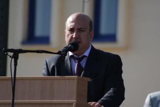 Rectorul din Constanta retinut, suspendat din functia de vicepresedinte al rectorilor