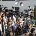 Redactorul-sef si patru directori de la un ziar din China au fost arestati. Descinderea a fost transmisa pe pagina de Facebook