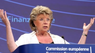 Reding: Situatia ramane fragila in Romania, sa se respecte statul de drept