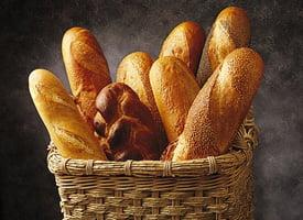 Reducerea TVA a scazut pretul painii, in medie, cu 6%. Painea s-a ieftinit mai mult la marii producatori (Video)