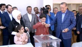 Referendum pentru a-i da lui Erdogan super-puteri: Majoritatea turcilor din Romania au votat NU