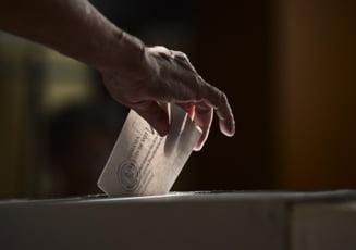 Referendum pentru demiterea lui Traian Basescu - filmul zilei, minut cu minut