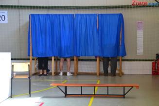 Referendum pentru modificarea Constitutiei - sub 50% dintre romani ar merge la vot