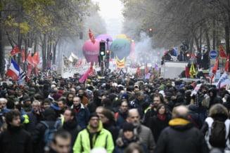 Reforma pensiilor propusa de Macron a scos in strada peste 800.000 de nemultumiti