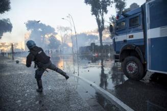 Refugiatii s-au batut cu Politia la Roma si au fost goniti cu tunuri de apa. Zona disputata arata ca dupa razboi