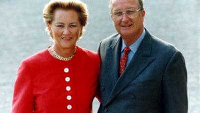 Regele Albert al II-lea si Regina Paola, primiti de Basescu la Cotroceni  (Video) | Mobile