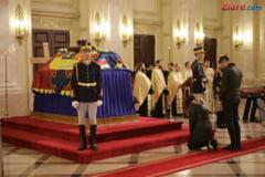 Regele Spaniei Juan Carlos si regina Sofia, un ultim omagiu pentru varul lor Mihai