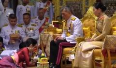 Regele Thailandei i-a retras toate titlurile regale si militare concubinei sale dupa doar doua luni