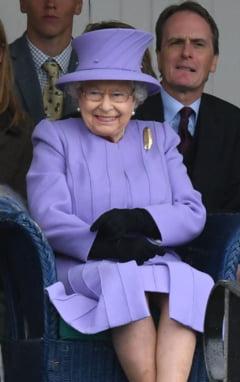 Regina Elisabeta, la un pas sa fie impuscata in curtea palatului