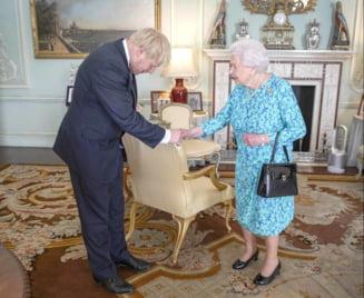 Regina Elisabeta a II-a a aprobat legea care blocheaza un Brexit fara acord
