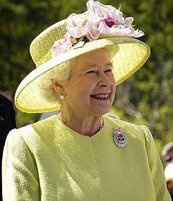 Regina Elisabeta a II-a isi face inca o gradina de legume