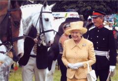 Regina Elisabeta a-II-a participa la ultima zi de curse de cai Royal Ascot, unul dintre evenimentele pilot ale Guvernului