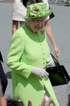 Regina Elisabeta are probleme de sanatate, dar refuza sa se opereze