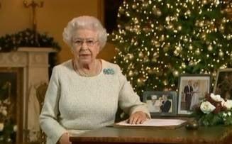 Regina Marii Britanii a aparut pentru prima data in public, dupa ce a avut probleme de sanatate (Video)
