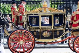 Regina Marii Britanii cere o marire de salariu