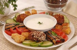 Relaxare in apa sarata, dupa cina vegetariana. Te tenteaza?