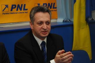 Relu Fenechiu, la DNA: E deplasat sa chemi un ministru la audieri (Video)
