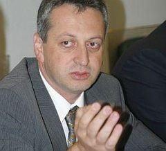 Relu Fenechiu si-a cumparat limuzina de 113.000 de euro