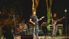Remember Adrian Paunescu si Cenaclul Flacara cu Andrei Paunescu si invitatii, la Nasaud, pe 6 noiembrie
