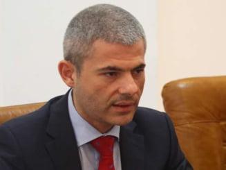Remus Vulpescu si-a dat demisia si l-a reclamat pe Dan Diaconescu la Parchet