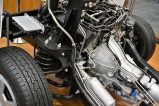 Renault si Stellantis suspenda productia de masini in mai multe fabrici. Criza semiconductorilor, resimtita la nivel mondial