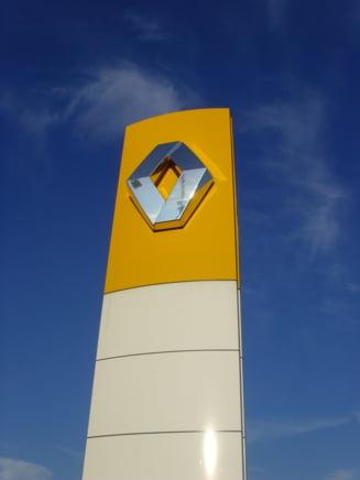 Renault vrea sa angajeze 300 de romani pentru centrul de la Titu
