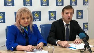 """Replica PNL Bacau: """"Cand marionetele capata glas, spun minciuni si lucruri traznite!"""""""