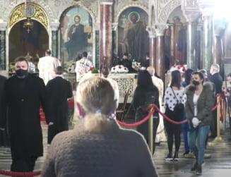 Reportaj Reuters: Bisericile din Bulgaria raman deschise, dar doar cei mai credinciosi merg la slujbe