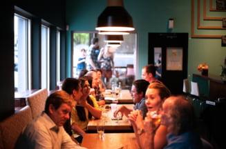 Restrictiile se relaxeaza in Bucuresti. Restaurantele, teatrele, cafenelele si salile de noroc vor functiona la o capacitate de 30%