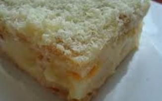 Reteta unui preparat delicios: tort de biscuiti cu crema de vin