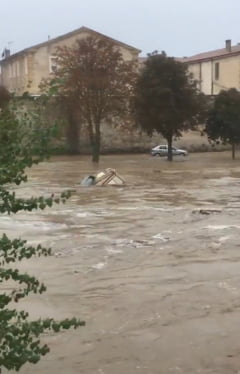 Revarsare fara precedent a unui rau din Franta - 6 oameni au murit (Foto&Video)