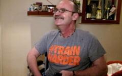 Revenire miraculoasa a unui brailean paralizat dupa un atac cerebral: ajunsese o leguma, dar acum se poate deplasa si urmeaza sa i se publice doua carti