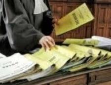 Revista presei: Recalcularea pensiilor militare, blocata de justitie