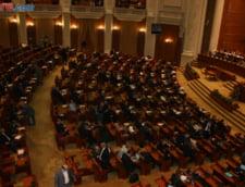 Revizuirea Constitutiei: Motiunea de cenzura va contine propunerea pentru premier