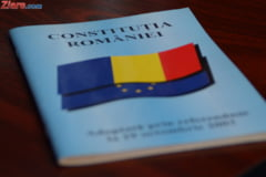 Revizuirea Constitutiei, reluata, dar blocata de absenti: PNL si PSD paseaza vina