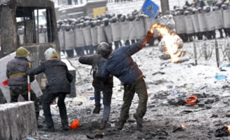 Revolta din Ucraina se apropie de Romania: Confruntari violente in Cernauti
