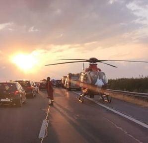 Revolta unui politist, dupa interventia la un grav accident pe autostrada: 80 % din cei opriti au scos telefoanele sa filmeze