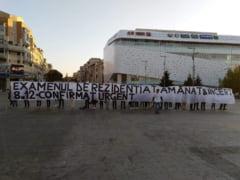 Rezidentiat: Senatul a scos semnatura ministrului Educatiei din lege, dar mai e mult pana la rezolvarea crizei