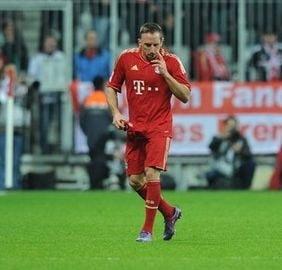 Ribery, scos din minti! Eliminat dupa ce a vrut sa bata un adversar (Video)
