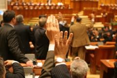 Ridicarea imunitatii lui Dobre, dezbatuta marti de deputati