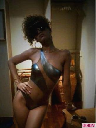 Rihanna: Imi place sa apar dezbracata