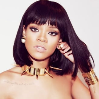Rihanna, poze de familie - Asa nu ai vazut-o pana acum (Galerie foto)