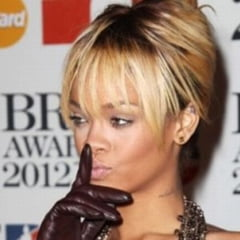 Rihanna, sfatuita de tatal sau sa slabeasca