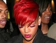 Rihanna a egalat un record detinut de Elvis Presley