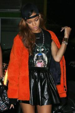 Rihanna chiuleste de la concerte pentru a merge in cluburi de striptease (Video)