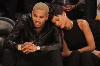 Rihanna explica de ce a revenit in bratele lui Chris Brown